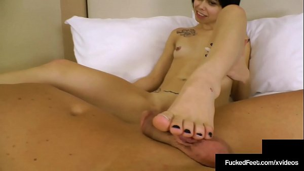 Short Haired Sweeties Bailey Paige Gives An Amazing Footjob!