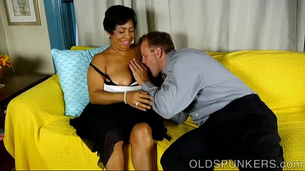 Chubby black mature babe is such a hot fuck Thumb