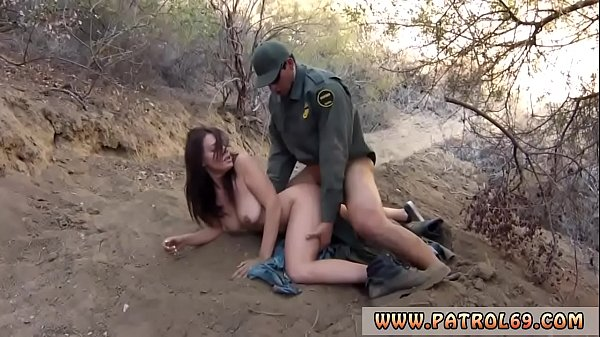 Babysitter punished hardcore xxx Mexican border patrol agent has his Thumb