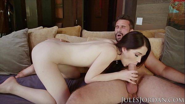 Jules Jordan - Natural Beauty Evelyn Claire Finds A Big Cock Thumb