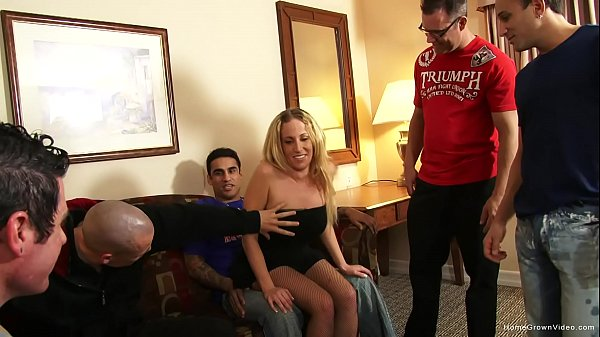 Stripper gets gangbanged by five guys in a hotel room Thumb
