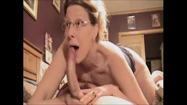 Amazing Deepthroat Blowjob By Mature Amateur Wife ! - xHamster.com[1]