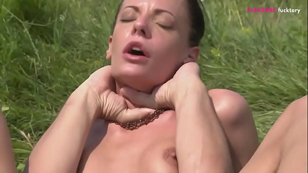 PICNIC WITH MY SWEET HONEY AND HER GLORIUS ASS Thumb
