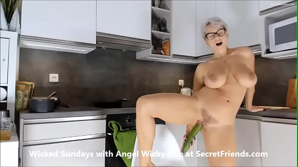 Food Porn with Angel Wicky live at SecretFriends Thumb