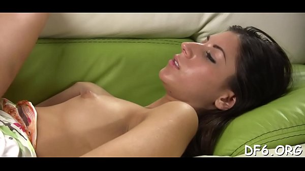 Cute girl feels a 10-pounder deep in her pussy for the first time