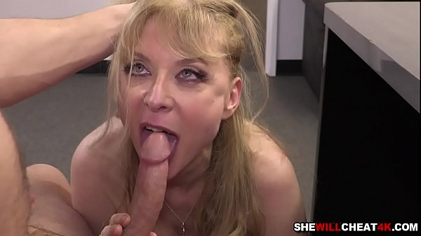 Young employee romping Nina Hartley hard