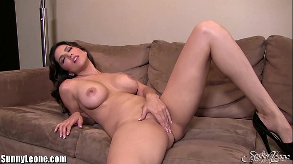 Sunnyleone Sunny Leone All Alone At Home Fingering -8981