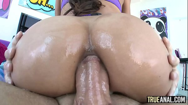 TRUE ANAL Gaping Chloe Amours delicious bubble butt