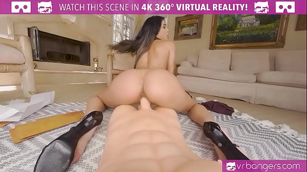 VRBangers.com - One On One With Sexy Latina Veronica Rodriguez