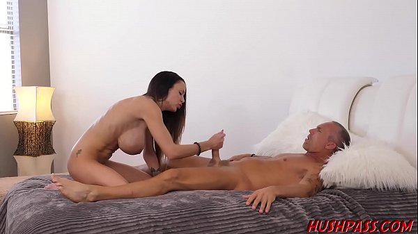 McKenzie Lee gives Marcus the Royal Treatment