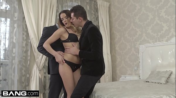 Euro Socialite Samantha Johnson gets a DP & cum...
