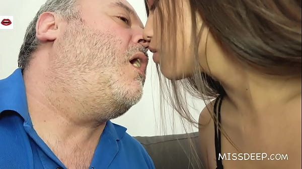 REAL ONLINE DATE: Spanish BEAUTY CamilaPalmer & the BEAST! MISSDEEP.com Thumb