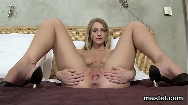 Naughty czech cutie stretches her soft cunt to the maximum