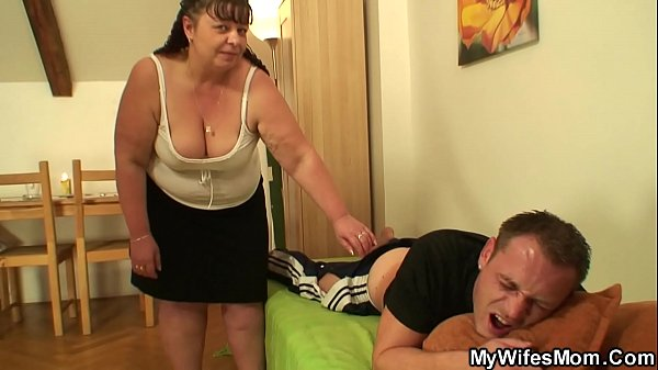 Chubby wifes m. rides his dick