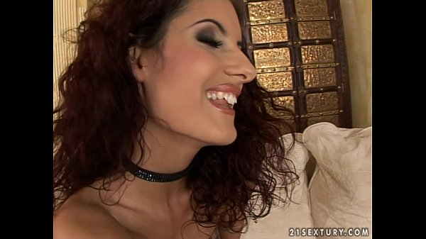 Sexy bitch Leanna Sweet fucks in different positions Thumb