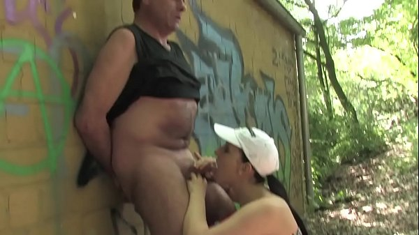 Free version - An old man touches a young girl's pussy but he has it small