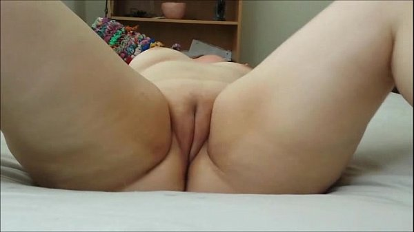 Gorgeous Fat Girl With Shaved Cunt
