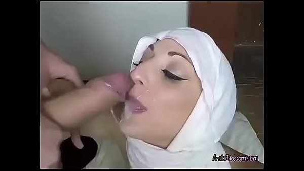 Obama teacher in Hijab gives blowjob and pussyf...