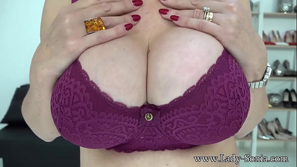 Lady Sonia loves when you cover her tits in cum