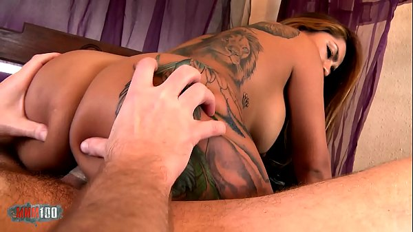 Trailer : Sex tape for a butty latina