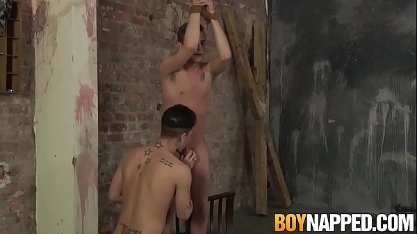 2018-12-21 02:31:03 - Submissive guy receives blowjob and handjob while tied up 10 min  HD http://www.neofic.com