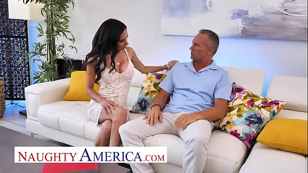 Naughty America - Tia Cyrus fucks with her big ...