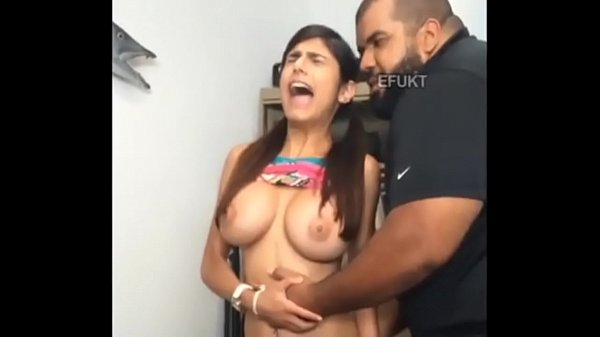 Mía khalifa anal .............. --------------------------------------------------------------------------------------------- video completo aqui part 2 here http://zipansion.com/giOt