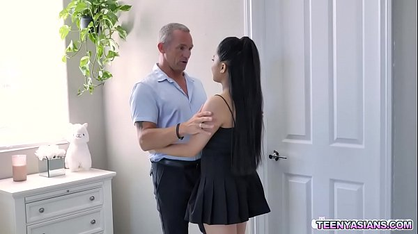Alona Bloom is the dauther of Marcus Londons employer.She likes her dads employee so she flirted him and ended up getting drilled by his meaty dick.