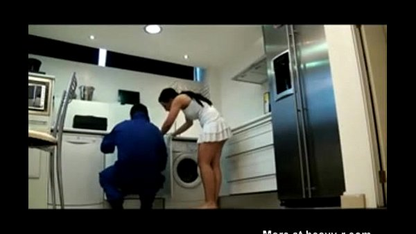 Fun with the plumber - XVIDEOS com