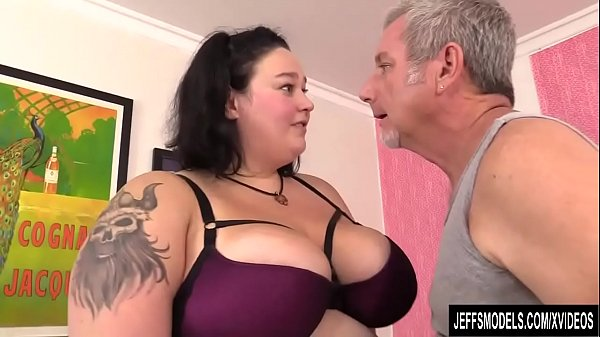 An Out of Control Masseur Gives BBW Valhalla Le...