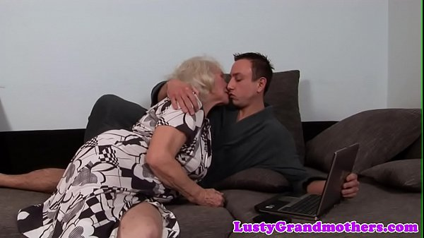 Hairy granny pussyfucked in closeup Thumb