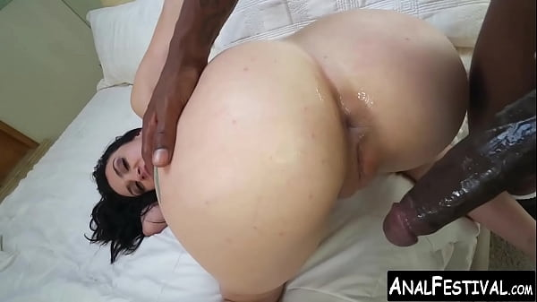 Big booty Mandy Muse gets BBC ass stretching of...