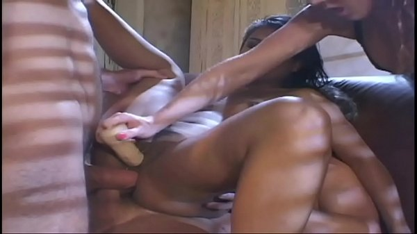 Lyla and Audrey are surprised by their horny brother