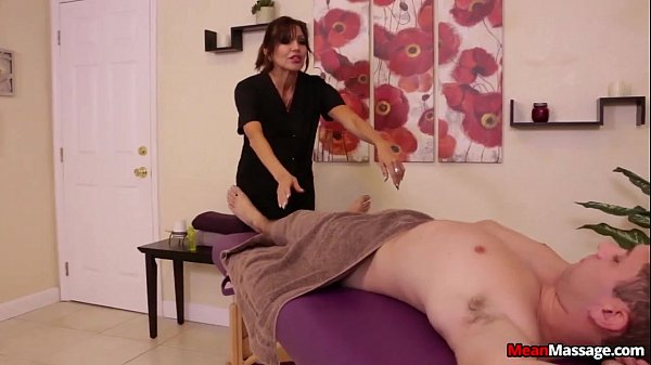 Big-Titted Lady Mean Massage  thumbnail