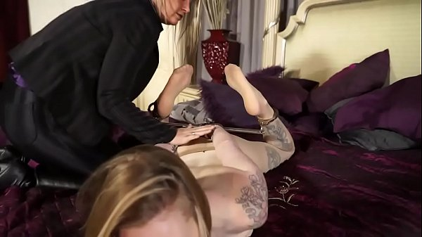 Amanda Hog-Cuffed By Probation Officer Thumb