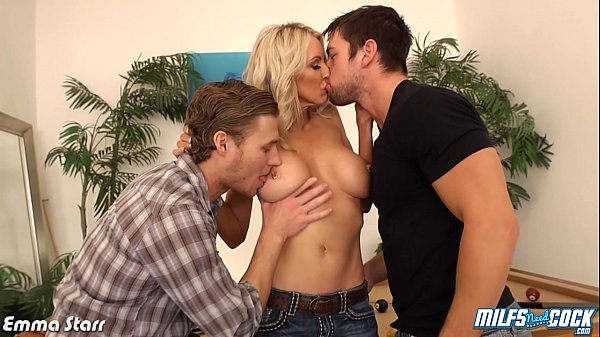 MILF Emma Starr gets double penetrated Thumb