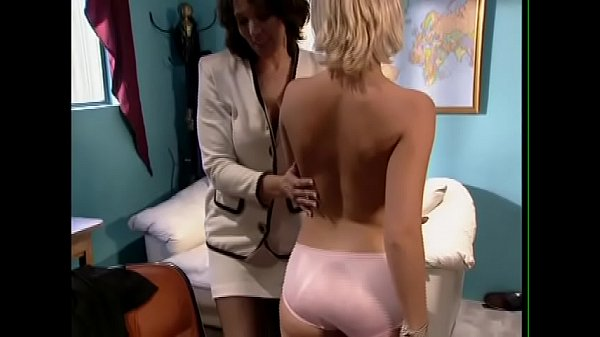 The doctor helps her assistant get fucked by her uncle