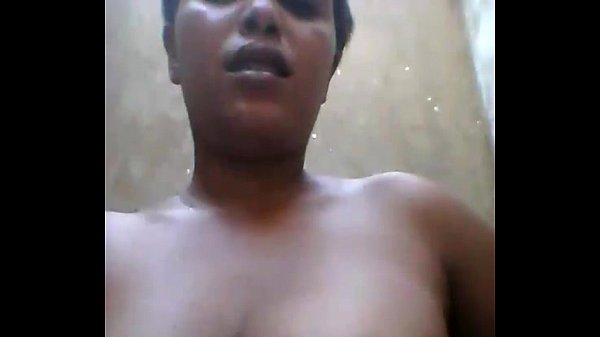 Horny Sudanese Woman Playing With Her Tits And Pussy Xvideos Com