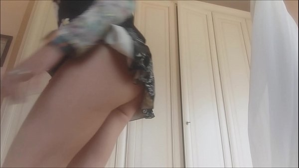 sensuality mixed with bad smell ... I masturbate under my skirt while farting Thumb