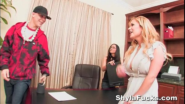 Shyla Stylez's Record Contract