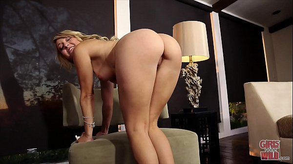 GIRLS GONE WILD - The Young And Lovely Elise Shows Us Her Sexy Ass And Plays With Herself