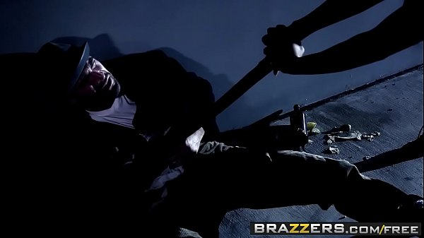 A Clockwork Whore lesbian threesome (Gia Dimarco, Madison Ivy, Zoe Voss) - BRAZZERS