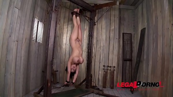 Busty bombshell Tigerr Benson serves two lads upside down in BDSM threesome GP883