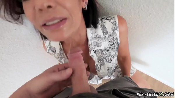 Milf in pink dress Ryder Skye in Stepmother Sex Sessions Thumb
