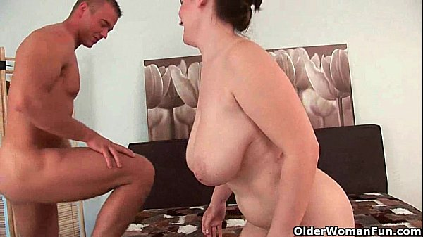 Mature mom gets her big tits fucked and cum glazed Thumb