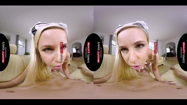 RealityLovers - a maid sucked my dick VR