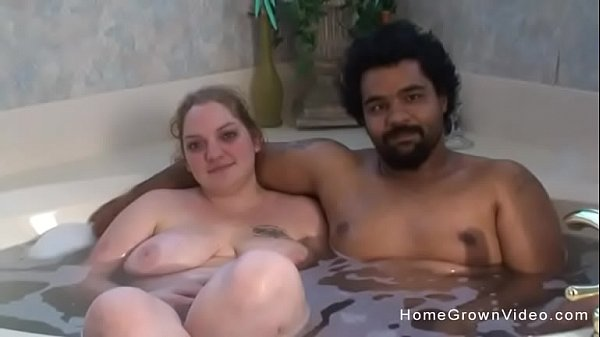 Amateur interracial couple make their first porn video Thumb