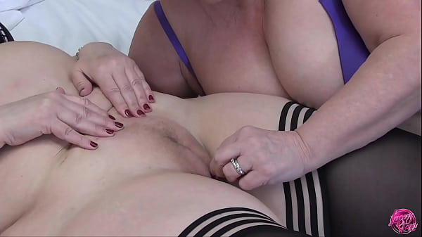 LACEYSTARR - In Praise of the Cameltoe Thumb