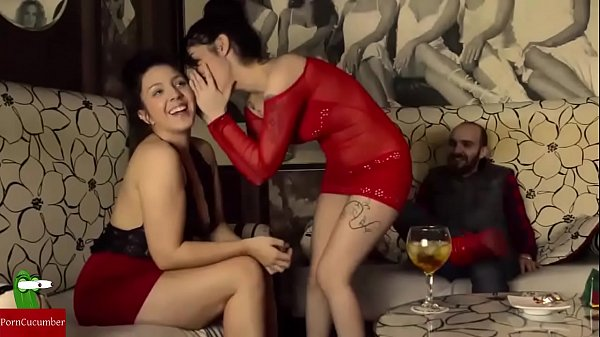They go to a club to have sex IV 041