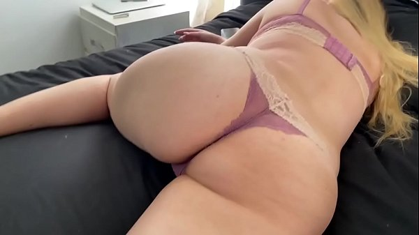 I creampied my sister's pussy while she was s.
